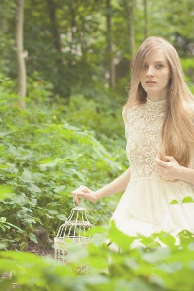 2-natural-portraits-forest-white-dress